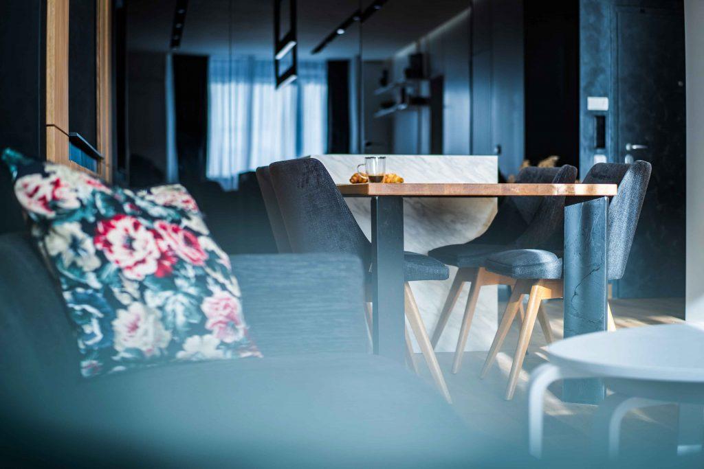 1. Living Room (19)