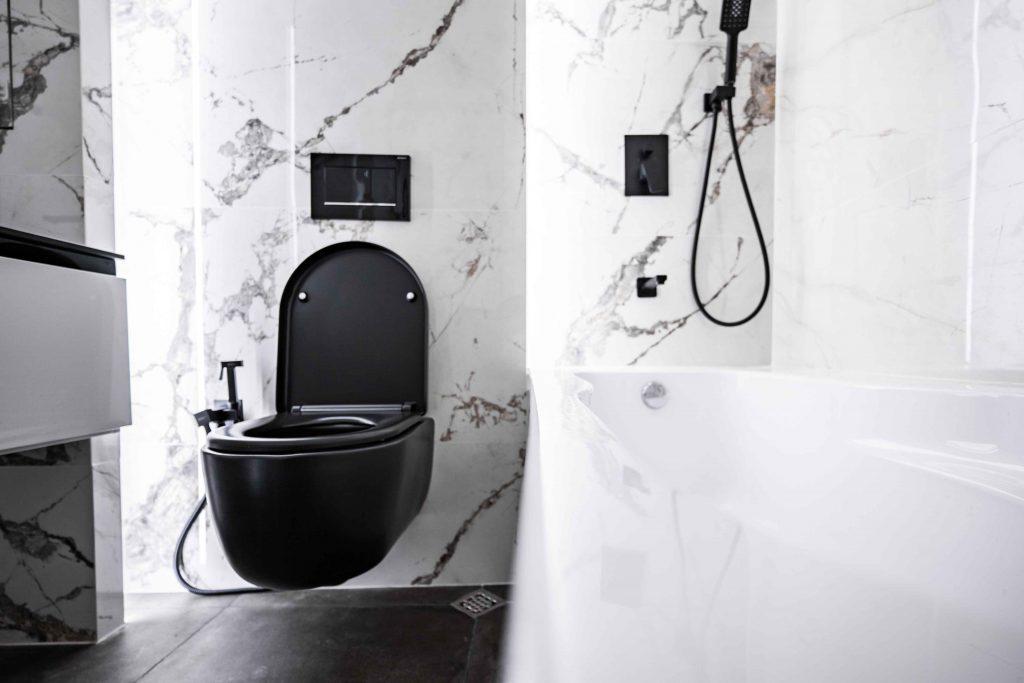 4. Bathroom 1 (3)